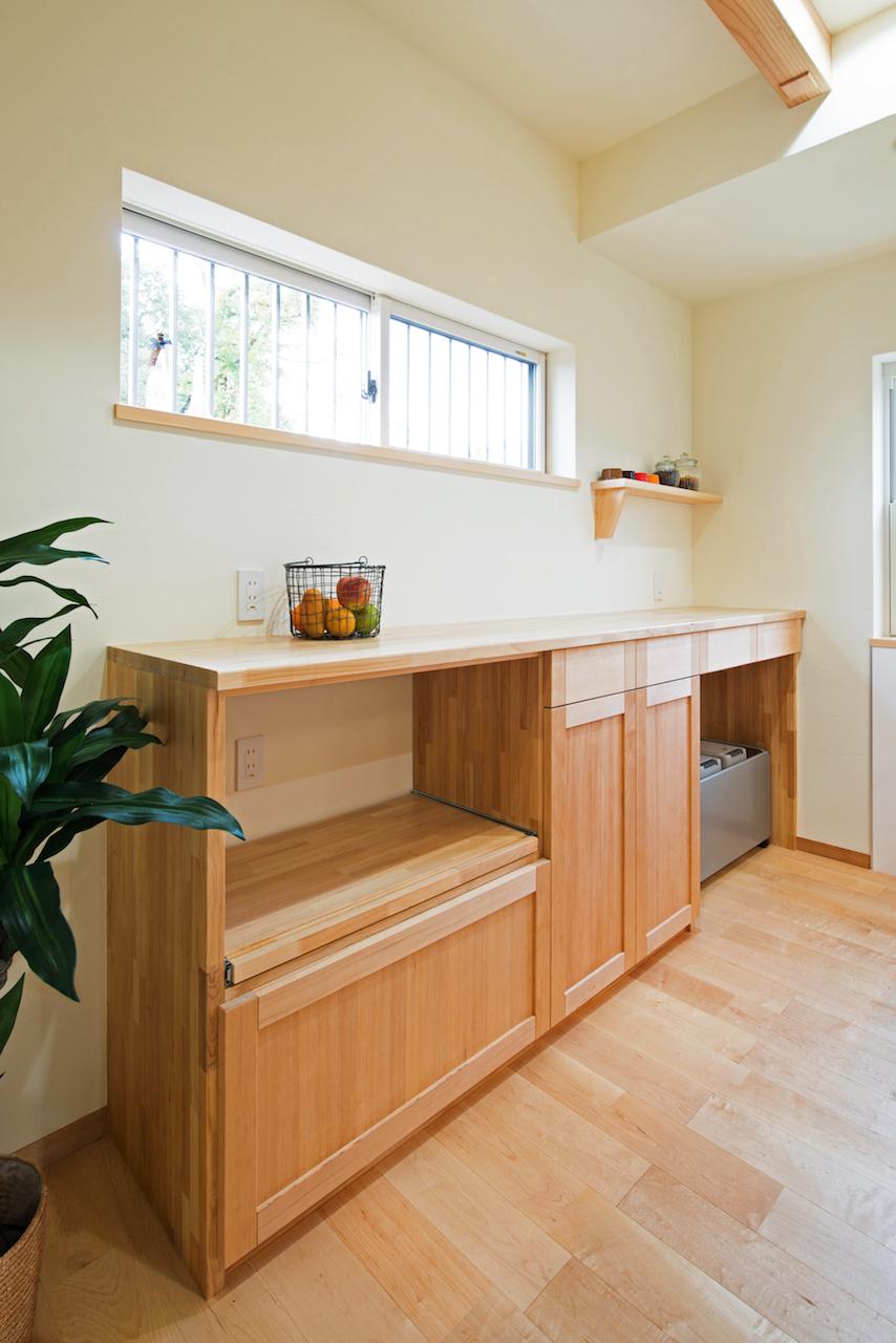 手作り食器棚